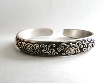 Vintage Chinese Dragon Sterling Silver Bracelet / Repousse Bangle / Accessories / Vintage Sterling Silver Boho Chic Bracelet / Bangle