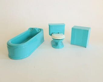 Plasco Aqua Bathroom Bath Plastic Dollhouse Furniture Fixtures Bathtub, Toilet and Hamper Set
