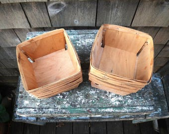 Wooden Berry Boxes - Thin Wood - Vintage - Wedding Party Favor Container