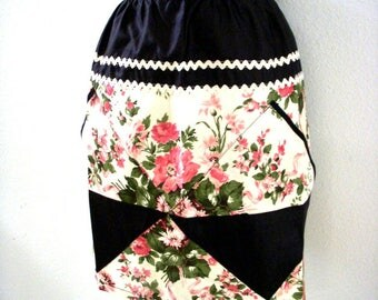 Vintage 50s Floral Chintz Apron with Ric Rac and Diamond Shaped Pockets - Pink Floral Half Apron - 1950s Pink  Black Apron - Kitchen Apron