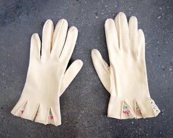 1950's cream gloves. Floral embroidered gloves. 50's pink flower gloves. xs.