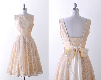 1950's lace party dress. 50 cream dress. bow. Satin. Tulle full skirt. small.