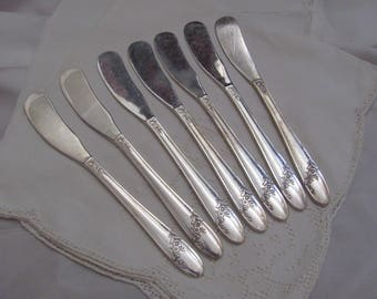 Knives - Set of 7 Silver Plate Spreader Knives - Queen Bess II Pattern