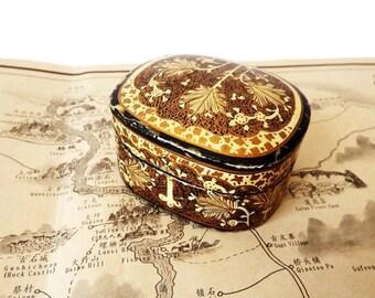 Vintage Kashmiri Trinket Box/ Small Papier Mache Indian Pill Box/ Hand Painted Lacquered Ring Box/ Kashmir India