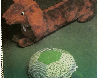 "Dachshund Pattern, Stuffed Toy, Stuffed Turtle, Toy Pets, 1970s Vintage, Style No. 2784 UNCUT Size 13-31"" (33-79cm)"
