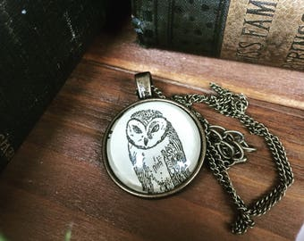 OWL Necklace - Owl pendant - Barn owl - Owl key ring - Owl Keychain - Owl gift - harry potter - bookish gifts - dictionary art - vintage owl