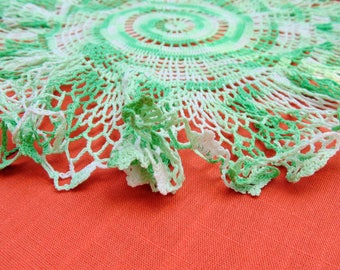 Crochet. Doily. CENTERPIECE DOILY. variegated. GREEN. Frilly. Ruffled. 1950s. Studio Prop. Table Centerpiece. handmade. authentic vintage