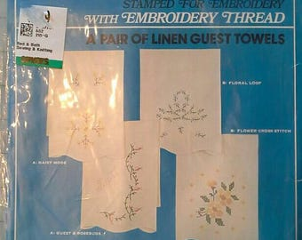 Stamped Embroidery Kit for Two Linen Guest Towels Vogart Crafts 7915B NIP