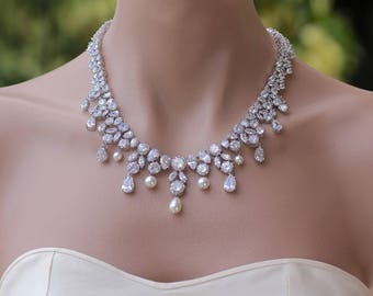 Crystal Necklace, Crystal Bridal Necklace, Crystal Bridal Jewelry, Crystal Wedding Necklace,  Wedding Jewelry, JULIETTE
