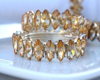 Rhinestone napkin rings vintage set of 4 glamorous dinner party friends Thanksgiving Christmas girls party yellow glass gold colored metal