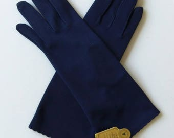 Vintage 60's Women's Gloves Navy Blue Stretch Nylon with Scalloped Hem Washable Made in Hong Kong NWT Size 6 - 7