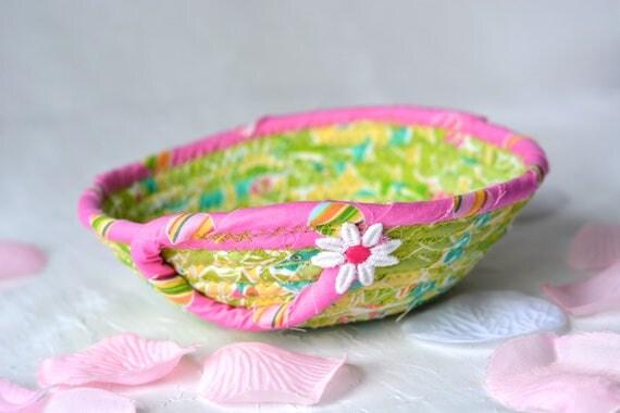 Tropics Fabric Basket, Handmade Ring Dish Holder, Artisan Quilted Basket, Hand Coiled Fiber Basket, Bling Bowl, Dresser Tray