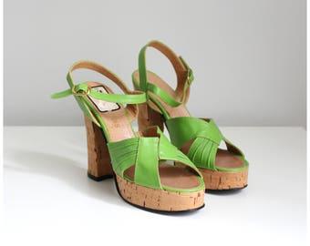 vintage 70s Italian platform sandals - lime green platforms / 1970s cork heels - disco platform heels / vintage sling backs - 70s sandals