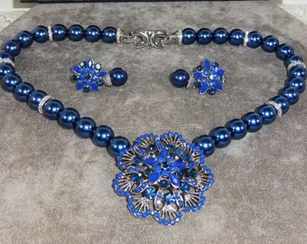 Beautiful Cobalt Blue Windsor Necklace and Earring Set Floral Center and Pierced Floral earrings