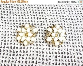 25% Off Sarah Coventry White Enamel  Flower Earrings