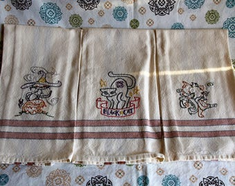 Halloween Kitty Stripped Dish Towels