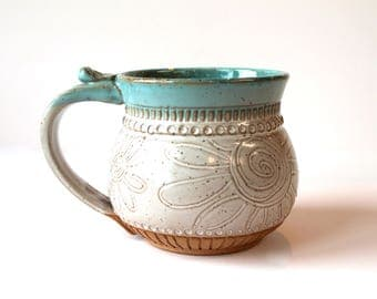 Speckled Clay Coffee Mug, Tea Mug, handmade pottery, Farmhouse Style, Flower Drawing, white and blue...MADE TO ORDER
