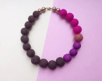 Felt necklace, wool necklace, wood bead necklace, felted jewellery, felt jewellery, chunky necklace, chunky jewellery, statement necklace