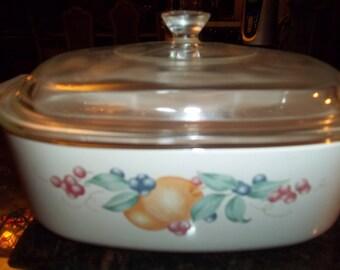 Corning Ware 2 Quart Abundance Casserole Dish with Pyrex lid