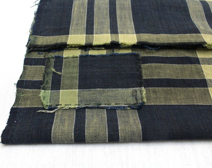 Japanese Vintage Kasuri Ikat. Woven Indigo Cotton Scrap. Traditional Folk Fabric. (Ref: 1758D)