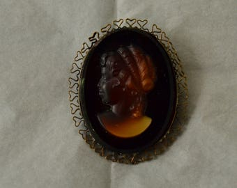 Vintage Brown Lucite Cameo Brooch