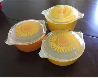 Vintage Pyrex Sunflower Nesting Set of Three