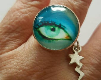 David Bowie Eye Ring with 18mm cabochon.