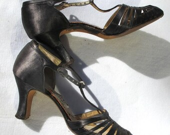 1/2 Off SALE Vintage 50s Pumps, Black Spanish Heels, 1950s Dancing Shoes