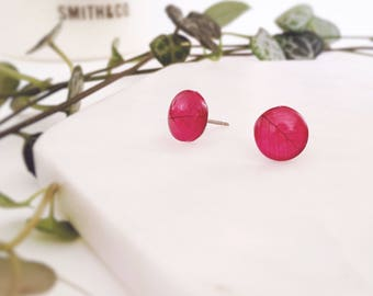 Berry red leaf print earrings - small Glass stud post earrings - Hypoallergenic post earrings