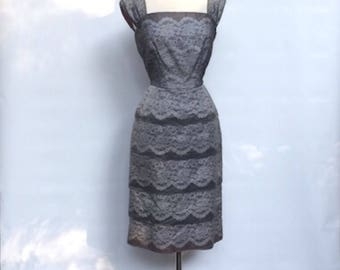 1950s Mad Men gray lace cocktail dress – 50s Minx Modes wiggle party dress. Medium