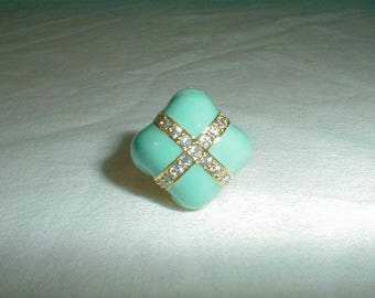 nolan miller ring beso ring sz.8 ring robins egg blue pave clear crystals chunky pastel turquoise blue spring summer sparkling prom bridal