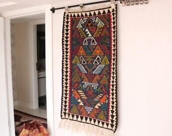 "Cute vintage kilim rug in perfect condition 113x64cm  44""x 25"" Handmade"