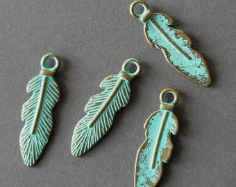 8pcs-Vintage turquoise green tone brass feather charm