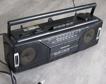 Vintage Magnavox AM FM Portable Radio / Cassette Player