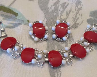 Vintage STAR Red Lucite and White Beaded Link Bracelet and Earrings
