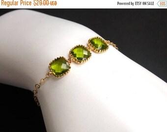 SALE Green Bracelet, Glass Bracelet, Gold Bracelet, Apple Green, Gold Filled Bracelet, Wedding Jewelry, Bridesmaids Bracelet, Bridesmaid Gif