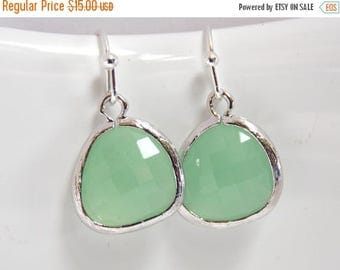 SALE Mint Green Earrings, Glass Earrings, Pistachio, Bridesmaid Jewelry, Silver Earrings, Bridesmaid Earrings, Bridal Jewelry, Bridesmaid Gi