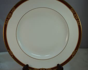 """1996-1997 Royal Doulton Tennyson 10-5/8"""" Diner Plate, Pattern H5249 Discontinued"""