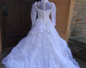 vintage women's wedding dress 1980's size 8 bridal gown white formal Mod cathedral train
