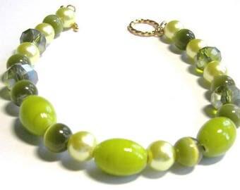 Lime Green Beaded Jewelry, Chunky Lime Bracelet,  Tropical Green Cat's Eye Bracelet, Summer Bracelet, Resort Vacation Accessory, Greenery