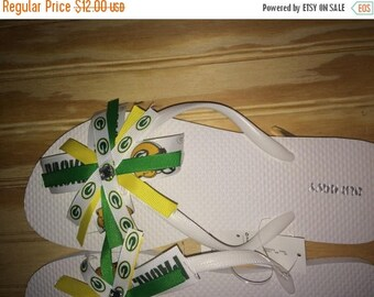 green bay packers flip flops ( made to order all sizes available)