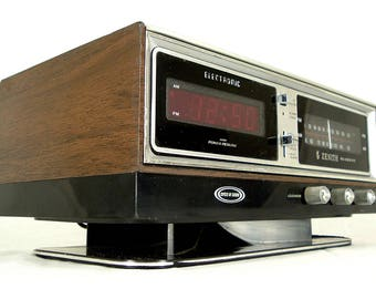 Sale ! Rare Red LED Zenith Electric Wood Grain Alarm Clock Am Fm Radio Stereo Tuner 1980s Loud !