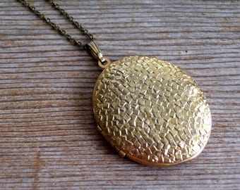 Gold Nugget Locket, Large Vintage Oval Locket, Unisex Locket, Vintage Photo Locket, Gold Plated Pendant Necklace, Antiqued Brass Chain