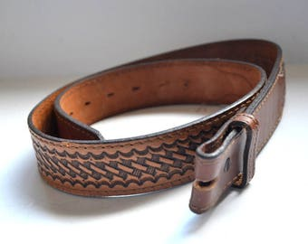 Vintage Nocona belt Western tooled top grain cowhide leather brown size 34  belt no buckle Made in USA Excellent New condition