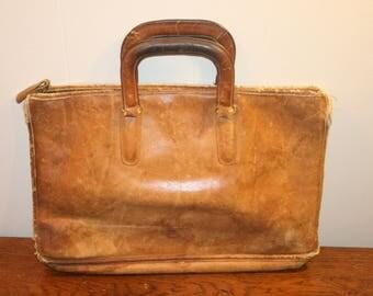 Vintage Coach Bag,coach bag,coach purse,coach,vintage coach,vintage leather,leather coach,distressed coach,distressed,distressed vintage