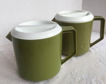 Vintage Avocado Green Rubbermaid Pitcher / Plastic Iced Tea Pitcher