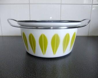 Vintage Cathrineholm Lotus enamel casserole - white and lime - Grete Prytz Kittelsen - Norway - 1960s