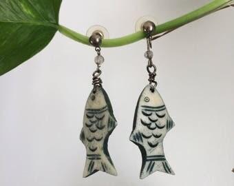 Vintage fish earrings drop carved