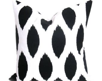 15% Off Sale Black pillow - pillows - Throw pillows - Throw pillow cover - Ikat pillow - Decorative Pillows - Black and white Decor - Black