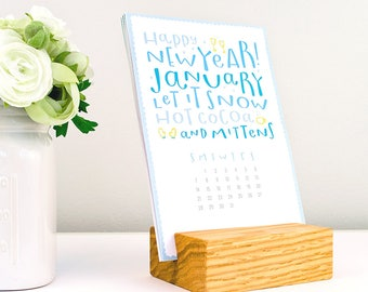 stocking stuffer -2018 type calendar with wood stand